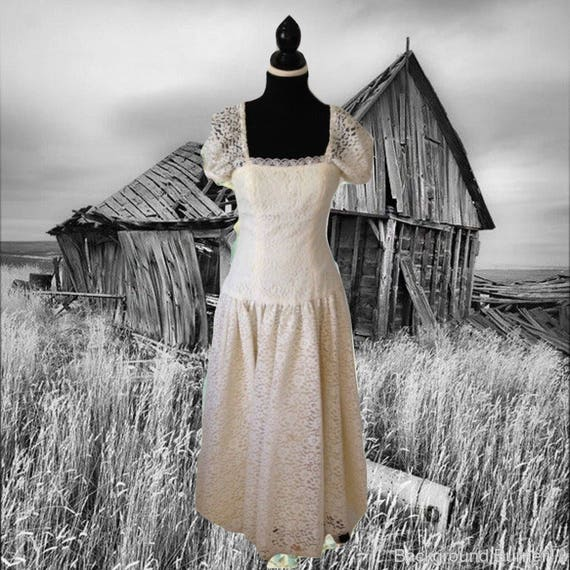 Long White Lace Dress Vintage Dress Full Skirt Big