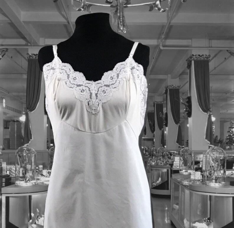 c5ca01d70 Vintage Lingerie Vanity Fair Full Slip White Nylon and Lace