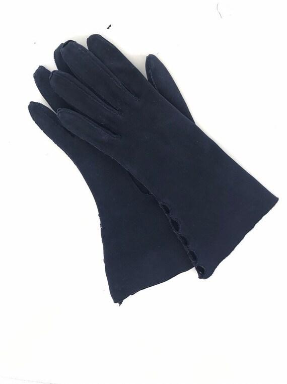 Vintage Cotton Gauntlet Gloves Ladies 50s Claire … - image 9