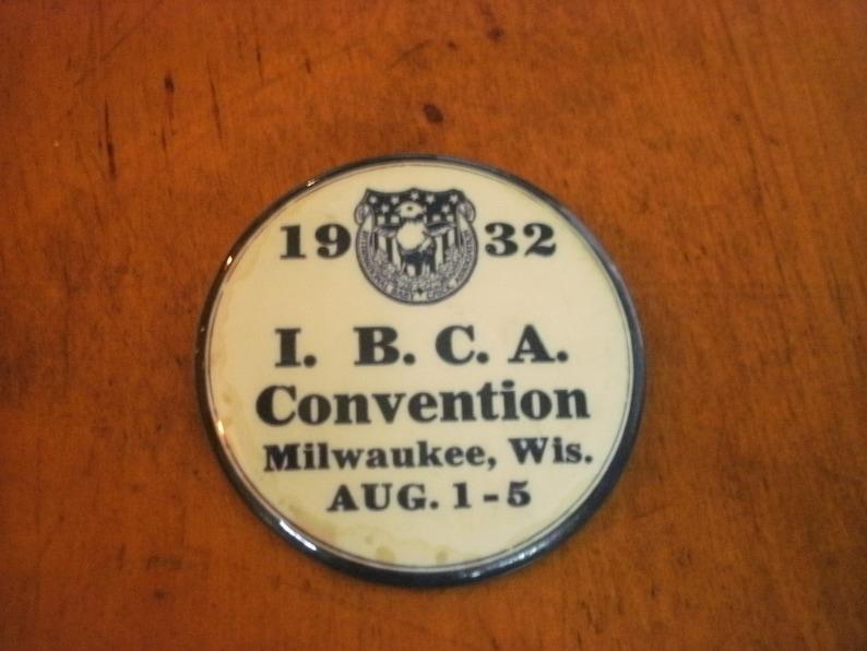 Vintage 1832 IBCA International Baby Chick Association Convention Milwaukee Metal Pinback Souvenir2.25 Diameter