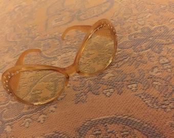 Vintage cat-eye sunglasses