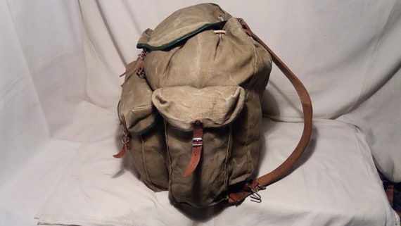 Vintage 1980/'s Military Green Canvas Backpack Large Size