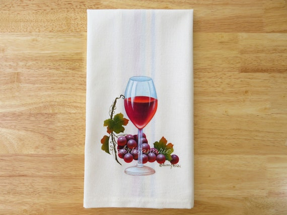 Red Wine Tea Towel - Wine Lovers Gift - Wine Kitchen Decor - Wine & Grapes  Towel - Wedding Shower Gift - Decorative Hand Towel, Hand Painted