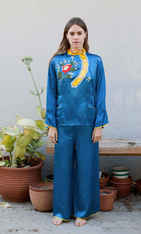 ON SALE** Vintage blue silk pajama set