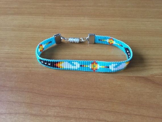 Narrow Turquoise Feather Pattern Loom Beaded Bracelet