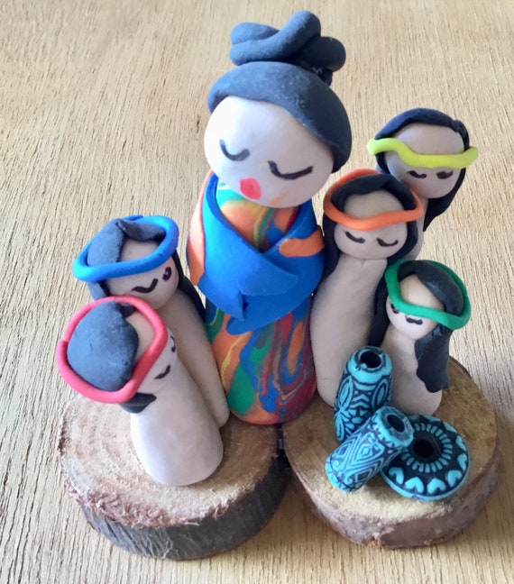 Storyteller with Grandchildren on Wood Base