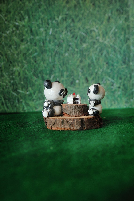 Let's Share Cake! Panda Pair