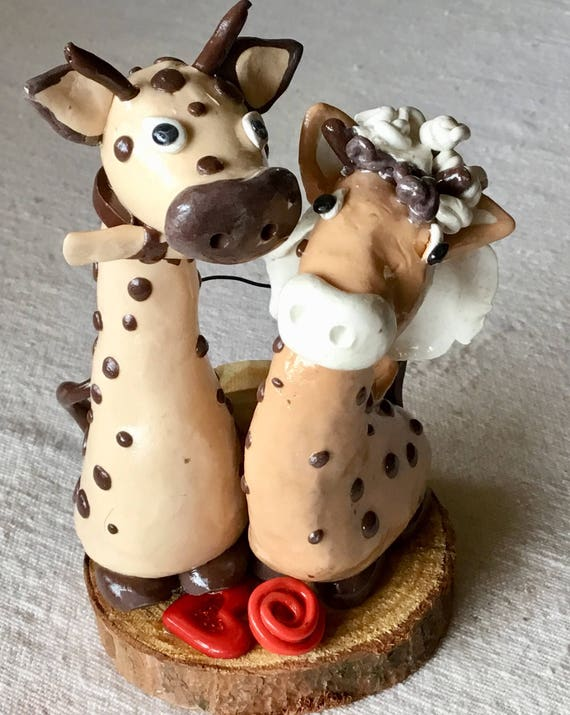 Happy Giraffe Couple Wedding Cake Topper