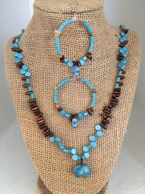 Southwest Inspired Turquoise and Copper Beaded Necklace and Earrings with Bear Pendants