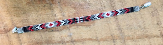 Red, Black, White, Gray Loom Beaded Narrow Bracelet