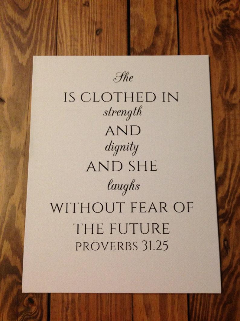 Spruche 3125 Leinwand Spruche 31 Frau Gekleidet In Starke Etsy