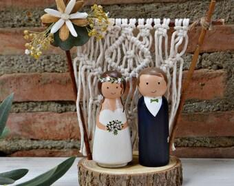 Wedding Cake Topper Macrame Backdrop, Bohemian Cake Topper, Personalized Cake Topper Figurine with Branch Slice Stand, Peg Doll Cake Topper.