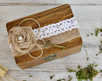 Rustic Wedding Ring Bearer Box, Rustic Ring Holder Box, Personalized Wood Ring Bearer Box, Rustic Wedding Ring  Box, Engagement Gift.