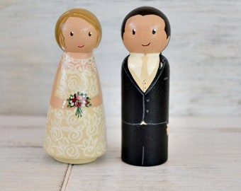 Wedding Cake Topper Figurines Personalised Bride and Groom, Wooden Peg Doll Wedding Cake Topper, Custom Wedding Cake Topper, Unique Topper.