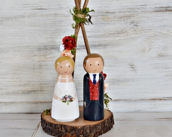 Wedding Cake Topper Stand Floral Tee pee, Personalized Bride and Groom, Unique Wood Figurines Mariage, Bohemian Wedding, Boho Decor.