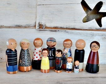Family Peg Doll Personalized, Wood Anniversary Gift, 5th anniversary gift, Family Portrait hand painted.