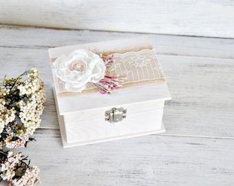 Romantic White Ring Bearer Box, Flower Wedding Ring Box, Personalized Rustic Wedding Ring Pillow, Wood Ring Bearer Box.