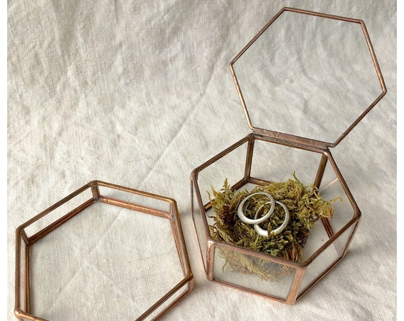 Ring box + glass tray, moss ring box, jewellery display, geometric ring box, jewellery box, ring bearer box,handmade glass box,ring pillow.