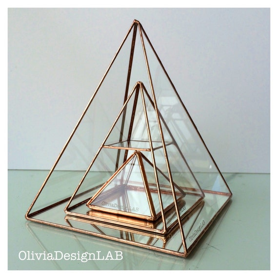 Set of 3 Jewelry glass display pyramid with mirror base, stained glass jewelry box, handmade glass display, customizable measures.