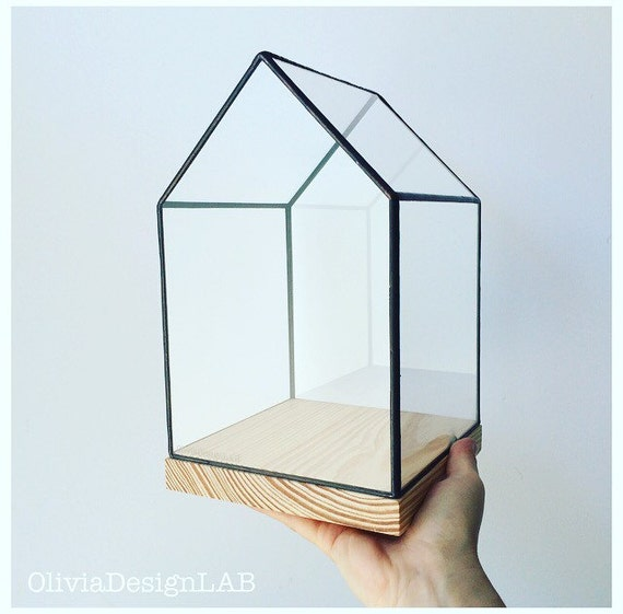 Medium size glass house showcase natural wood base - bespoke handmade glass box - geometric home decor - quartz holder jewelry display.