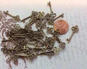 Fancy Key Charms 33mm Wholesale Antiqued Bronze Pendants BC0002465-10//20//40PCs