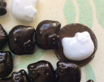 SET of 50 Black and White Kitty Cat Head Beads/DIY/silver beads/findings/lot of beads