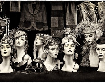 Mannequin retro and vintage style. Old fashion hats.