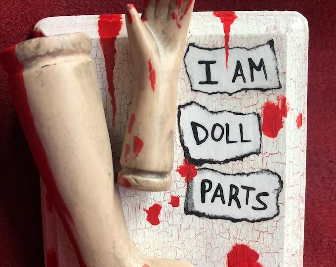 ooak creepy i am doll parts wall plaque gothic halloween horror bloody weird art  ChristieCreepydolls