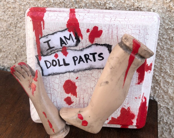 ooak creepy i am doll parts wall plaque gothic halloween horror bloody  ChristieCreepydolls