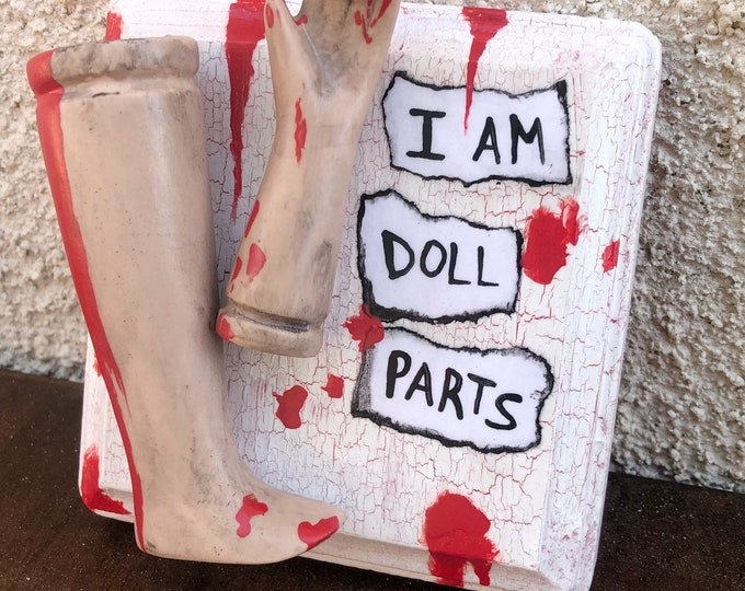 ooak creepy i am doll parts wall plaque gothic halloween horror bloody weird art  ChristieCreepydolls