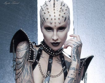Black gothic punk choker/shoulder pads decorated with spikes and removable black chains