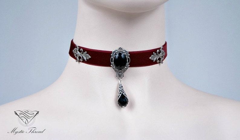 Pendant Necklace Red or Black Velvet Gothic Wedding Medieval Choker Velvet Teardrop Choker