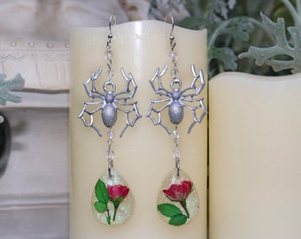 Gothic Rose Spider Earrings - Insect Jewelry - Gothic Jewelry - Nature Earrings - Real Flower Jewelry
