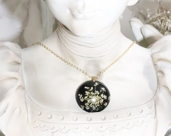 Butterfly Flowers Necklace - Queen Anne's Lace Necklace - Real Flower Necklace - Black and White Jewelry - Gold Plated Nature Jewelry