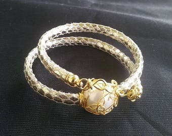 Bracelet or shock with work on wire/bracelet or shock with Alambrismo