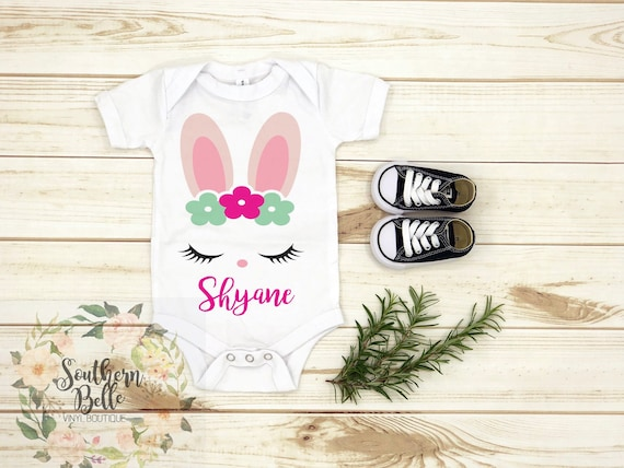Personalised Baby/'s 1st First Easter 2017 Bib Boy Girl Newborn Embroidered Name
