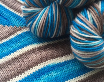 Hand dyed self striping merino sock yarn - Helags