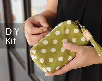 Good Idea Coin Purse - DIY Kit with Sewing Pattern & Tutorials (all the materials included) by niizo