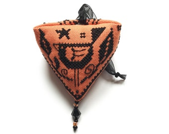 crow halloween Pendibule Ornament - Durene J Cross Stitch - DJXS2422
