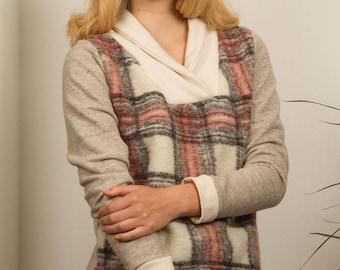 Sweater Plaid wool fabric, large collar, chalk colors / / checkered sweater / / tartan sweater