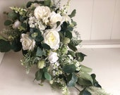 Natural white & ivory trailing teardrop wedding bouquet.
