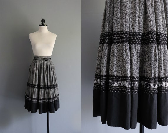 1950s Vintage Black and Gray Cotton Patio Skirt /
