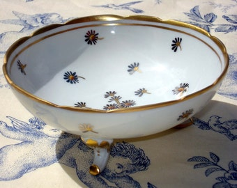 Bonbonniere sweet dish porcelain from France by Rovina