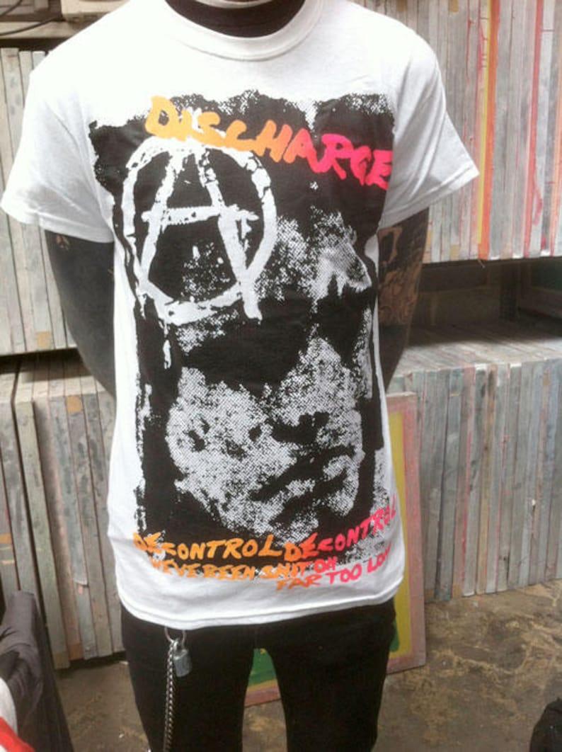 NEW /& OFFICIAL! Discharge /'Skull Logo/' T-Shirt