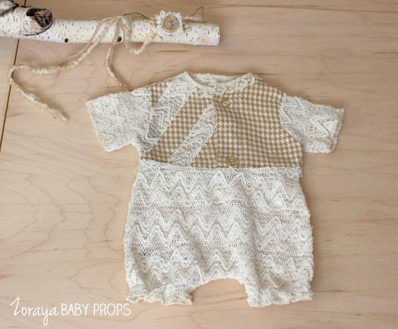 Combi-short dentelle, photographie de bébé, Baby Prop, barboteuse garçon, Style Vintage, dentelle crème accessoires, accessoires nouveau-né, accessoires neutres, RTS de Zoraya bébé accessoires.