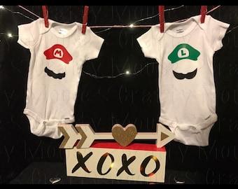Mario and Luigi baby bodysuit set/Twin Sets/Twin baby boy clothes/twin baby girl clothes/ baby clothes/ Twinning/ super mario and luigi