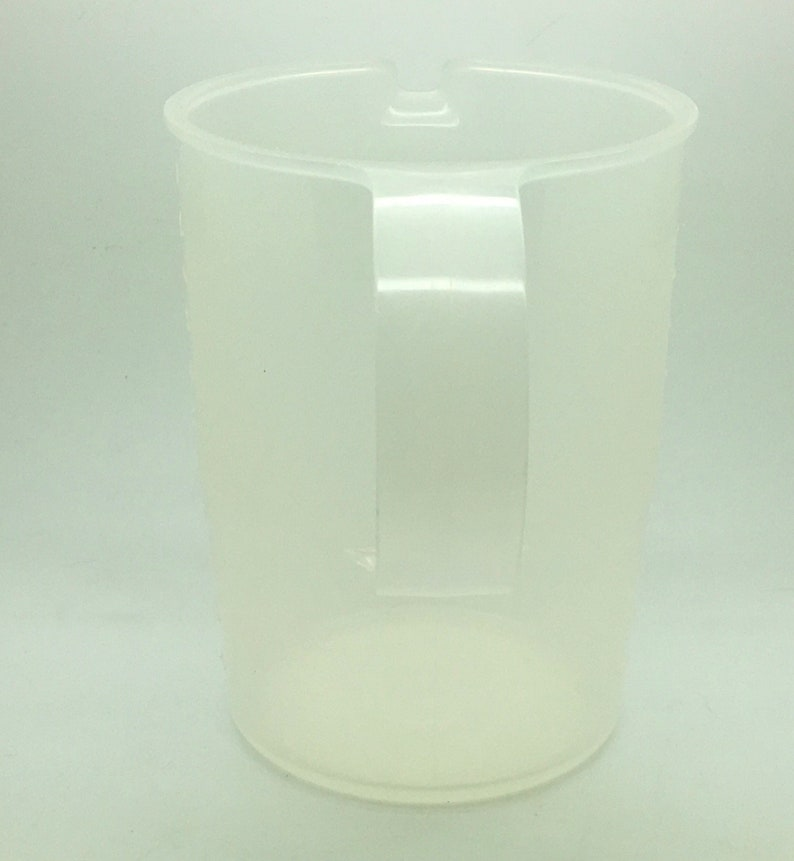 Tupperware Measuring Cup 1370 500 ml Metric With Handle Pour Spout  Sheer Clear Replacement  Baking Utensil Cooking