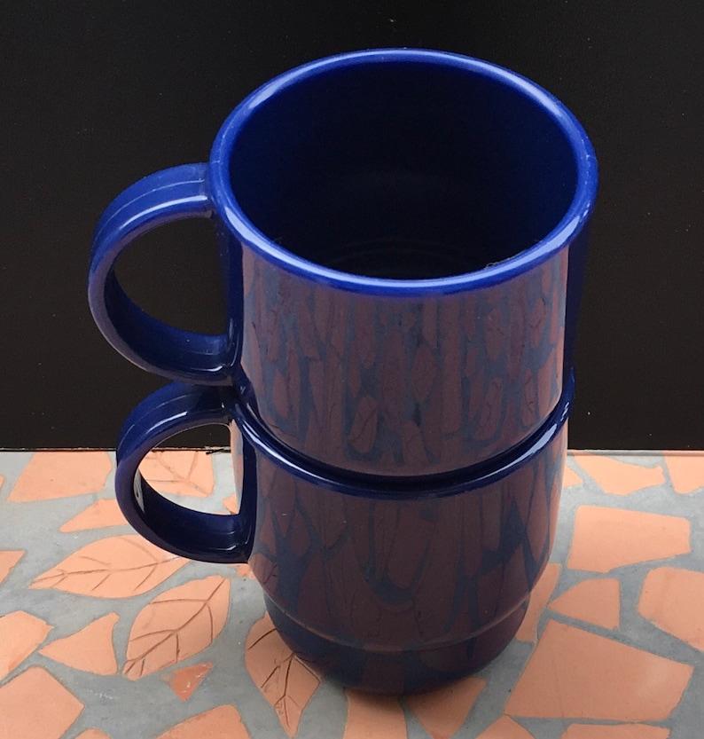 Patio Empilable Micro Top N Gras 2 Randonnée À De Ondable Vintage Lot Camping Extérieur Bleu Tupperware Rv 2224 Tasses Table Café Gigognes Lcq4j5AR3
