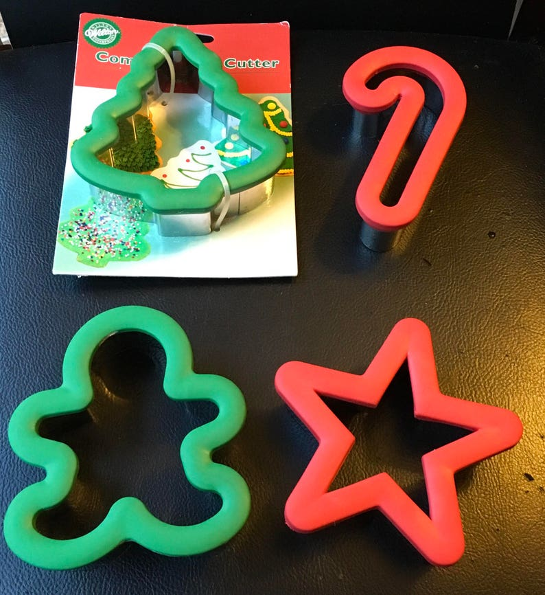 Wilton Comfort Grip Cookie Cutters Christmas Tree Star Candy Cane Gingerbread Man Oversize Sugar Cookies Play Dough Paper Art Bake Sale