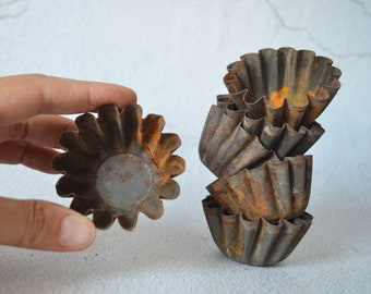 Vintage Rusty Tart Molds, Small Jello Moulds, Fluted Muffin Tins, Tarnished Food Photo Props